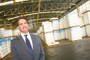 Plástico Moderno, Roberto Cuschnir, diretor da Ruttino, Distribuição - Rearranjo petroquímico força mudanças no varejo que enfrenta margens pífas excessiva concorrência