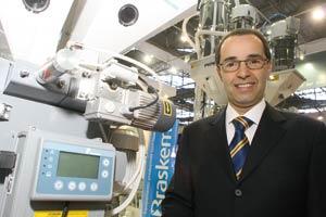 Plástico Moderno, Ricardo Prado, vice-presidente para a América Latina da Piovan do Brasil, Resfriadores - Transformação se rende às vantagens desses equipamentos e impulsiona o setor