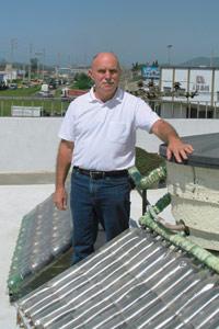 Plástico Moderno, José Alcino Alano, Notícias - Plástico reciclado compõe coletores de energia solar