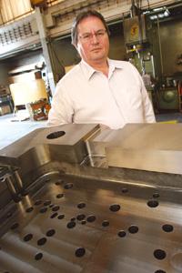 Plástico Moderno, Estevam Horvate, gerente de vendas da MDL-Danly, Porta-moldes - Segmento lucra com a crescente exigência dos transformadores por ferramentas semiprontas