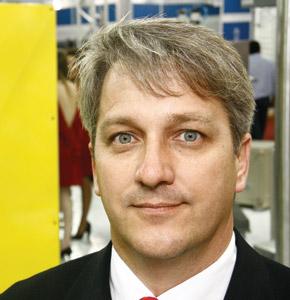 Plástico Moderno, Walner Cavallieri, Diretor da BGM, Sistema de reciclagem - Procura por processos eficientes e controlados muda perfil do setor