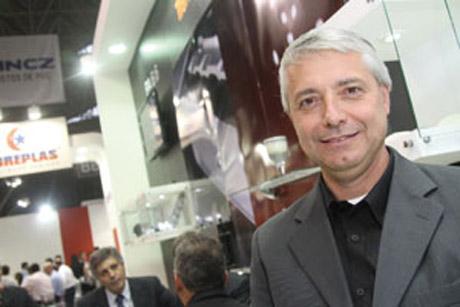 Plástico Moderno, Nelson Altero, Diretor de negócios PSM & Intermediates, Brasilplast 2011 - Plásticos de engenharia - Poliamidas reforçam investimentos