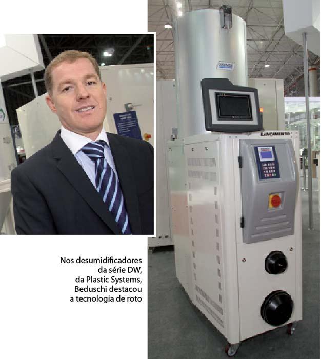 Plástico Moderno, Maurício Beduschi, Diretor executivo do grupo Tecnos, Brasilplast 2011 - Periféricos - Sistemas propõem mais eficiência