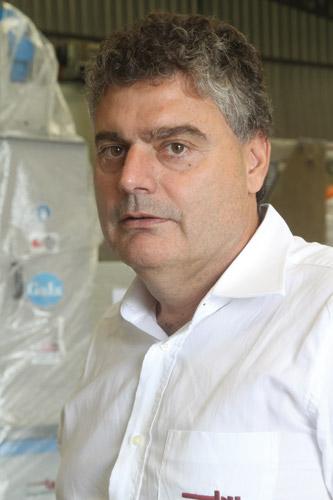 Plástico Moderno, Antonio Azevedo Alves,  Diretor da By Engenharia, Roscas e cilindros - Escolha adequada das peças torna projetos mais rentáveis