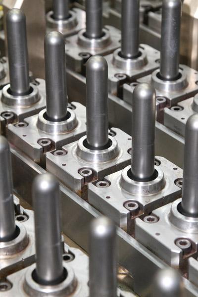 Plástico Moderno, PET - Particularidades da resina impõem diversos cuidados à fabricação dos moldes