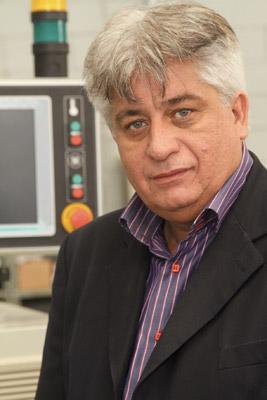Plástico Moderno, Chrystalino B. Filho, Diretor comercial da Bausano do Brasil, Especial máquinas - Extrusoras - Investimentos na cadeia do plástico reforçam os negócios e estimulam apuramento tecnológico