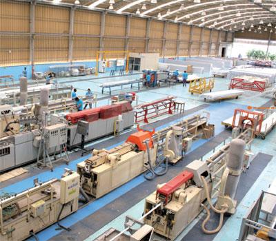 Plástico, Automação - Sinônimo de maior produtividade e melhor qualidade, a automação é irreversível na indústria plástica