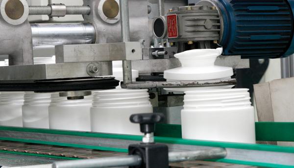 Plástico, Sopro - Fabricantes investem em equipamentos diferenciados e potencializam suas máquinas