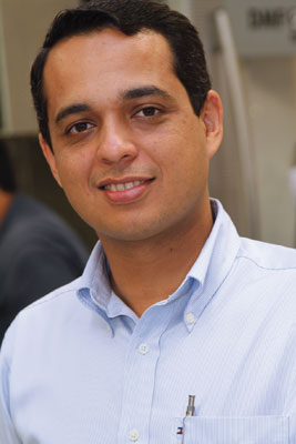 Plástico, Bruno Chagas, gerente da engenharia da Moltec, Ferramentaria moderna - Fabricantes nacionais de moldes para tampas buscam parceiros tecnológicos para elevar produtividade