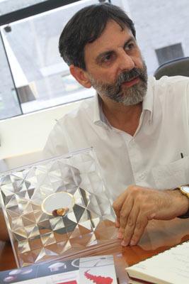 Plástico, Roberto Dedomenici, sócio da Plásticos Regina, In Mold Labeling - Técnica começa a ganhar força no mercado nacional