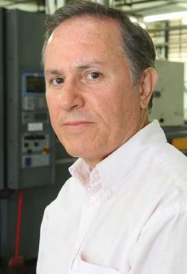 Plástico, Paulo Rodi, gerente do Centro Tecnológico da Plásticos Mueller, PP e Compostos - Fabricantes apostam todas as fichas em formulações para a indústria automotiva