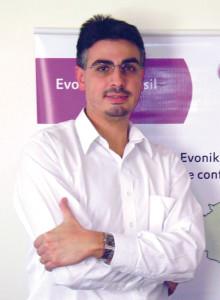 Plástico Moderno, Além dos automóveis, a construção civil reforçou os negócios, diz Lavini
