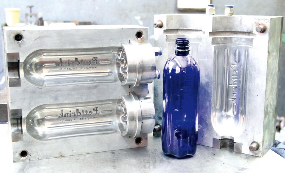 Ferramentaria moderna fabricantes de moldes adaptam se ao - Plastico para moldes ...